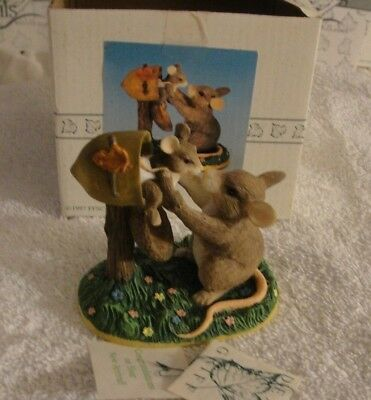 """CHARMING TAILS """"NEW ARRIVAL"""" Mouse Figurine 1997 97/717 New in Box Limited"""