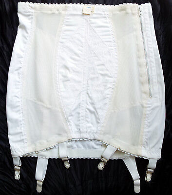 Vintage-New Open Girdle Rago Size 29 M/L White Lace Shaping 6 Metal Garters USA