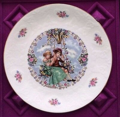 ROYAL DOULTON Valentine's Day Plate 1980 'HOW OFT MY BRIGHT AND RADIANT EYES'