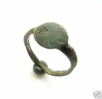 Old bronze ring  (250).