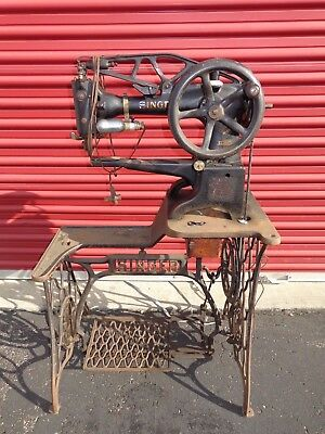 Old Singer 29K51 Industrial Sewing Machine Cobblers Patcher