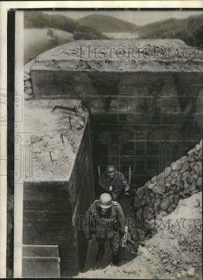 1938 Press Photo World War II - German Soldiers in Trenches - mjm04851