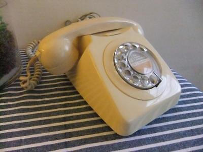 Vintage 746 Rotary Dial Telephone *Working*