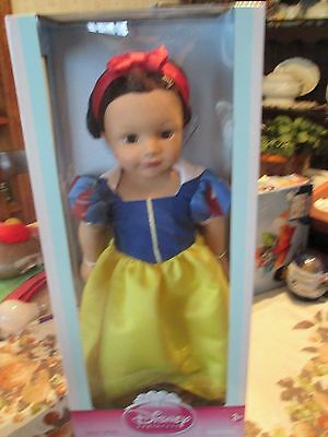 "18 "" Madame Alexander Disney Princess Snow White Play Doll NIB"