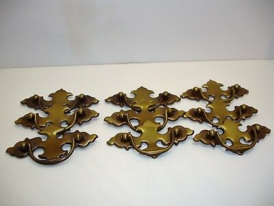 H1 Lot of 10 Early American Style Brass Toned Drawer Pulls or Handles Vintage