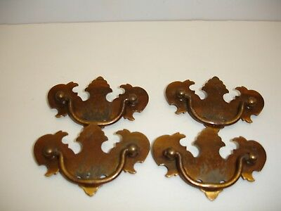 H2 Lot of 4 Vintage Early American Style Drawer Pulls or Handles Brass Toned