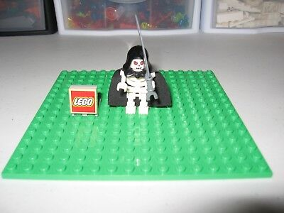 LEGO MINIFIGURE FANTASY ERA SKELETON WARRIOR CAS 327