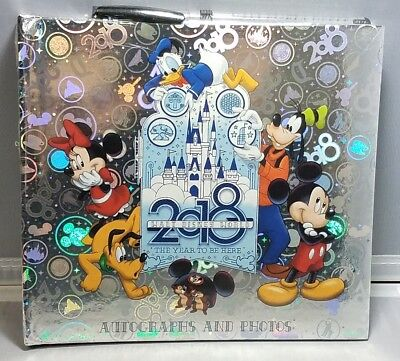 Disney Parks WDW 2018 Autographs and Photos Book with Ball Point Pen - NEW