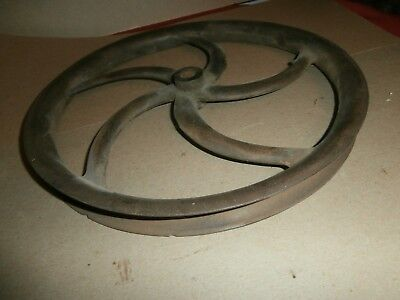"""Antique Cast Iron Well Water Pulley 11 5/8"""" Wide"""