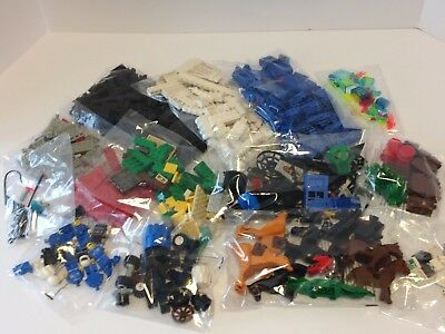 LEGO ~ Large Lot of Assorted Lego ~ Space, Parts, Animals ~ 633 Pieces