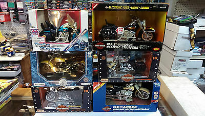6 Motorcycles / 5 HARLEY-DAVIDSON in BOX plus 1 other