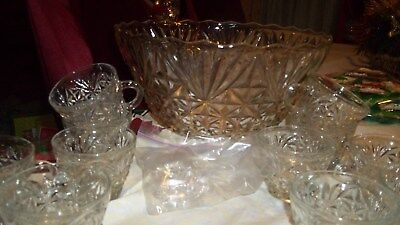 Arlington Anchor Hocking vintage punch bowl with the box