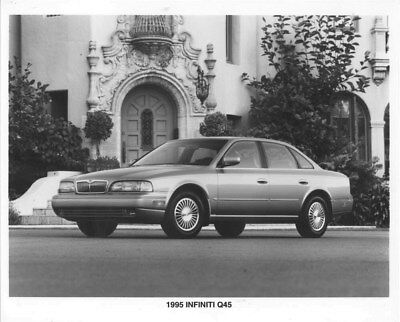 1995 Infiniti Q45 ORIGINAL Factory Photo oua0947