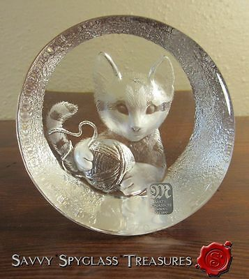 Vintage Mats Jonasson Cat with Ball of Yard Crystal Paperweight