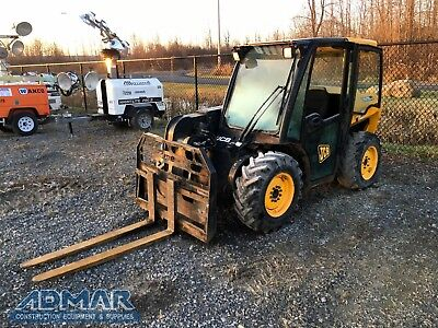 2010 JCB 515-40 4WD Forklift with Cab; Includes Bucket