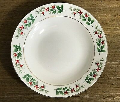 4 SOUP BOWLS  Gibson Everyday - Holly Berry Christmas Charm SET of 4 BOWLS