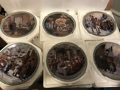 A Christmas Carol by Bradford Exchange Set Of 8 Plates Excellent Condition