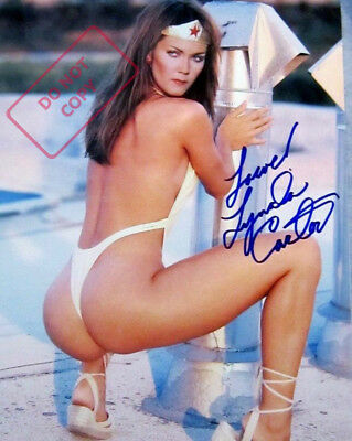 REPRINT 8x10 Signed  Photo: Lynda Carter - SEXY Wonder Woman