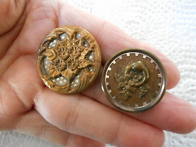 Antique/vintage Pair Of Terrific Metal Buttons #697
