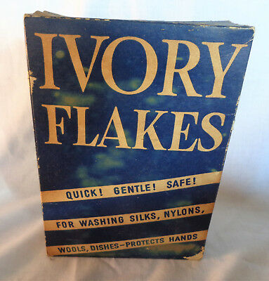 Vintage Full Box of IVORY Flakes Washing Soap Delicate Fabric/Woolens 12 1/2 oz.