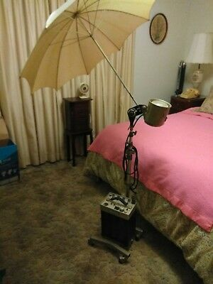 # Photogenic Flashmaster # AA01 with flash bulb stand & Umbrella