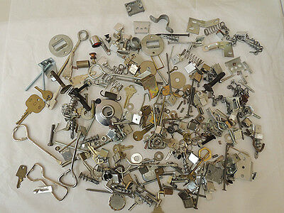 Vtg Mixed Metal Salvage Hardware For Assemblage Art & Craft Huge 4 lb Lot (#7)