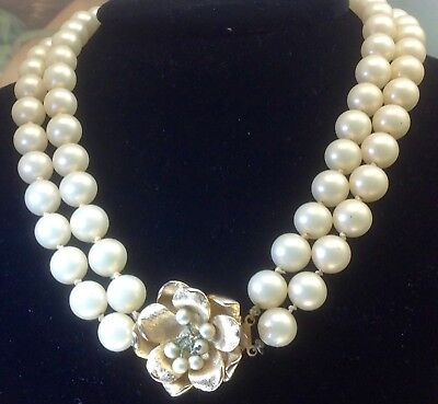 Vintage Marvella Faux Pearl Necklace With Gold-Tone Flower Clasp (E213)