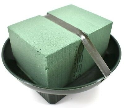 1 x OASIS GREEN PLASTIC SQUARE ROUND DISH SUPPLIED WITH FRESH FLORAL FOAM & TAPE