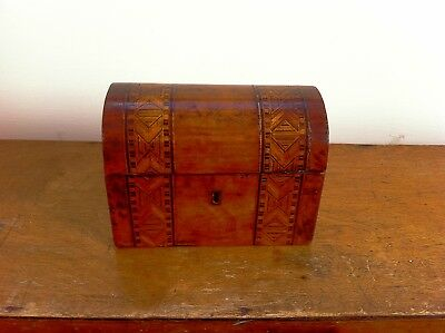 LOVELY DECORATIVE 19th CENTURY DOME TOPPED INLAID TEA CADDY BOX 6.75 inches