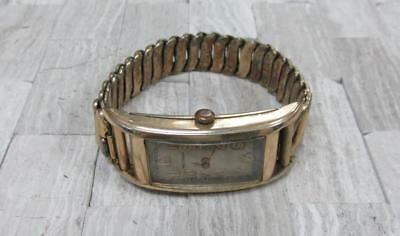 Vintage Waltham Men's Rolled Gold Plated Curvature Wristwatch 17-Jewels 7-A191