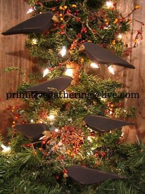 =  Gathering 10 Primitive Wood Farmhouse Garden Valentine CROWS Ornaments Ornies