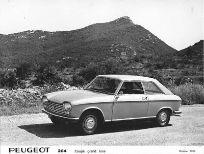 1969 Peugeot 204 Luxury Coupe ORIGINAL Factory Photo oua1570