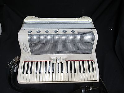 Scandalli Made in Italy pearl white 120 bass key in original vintage case NICE!!
