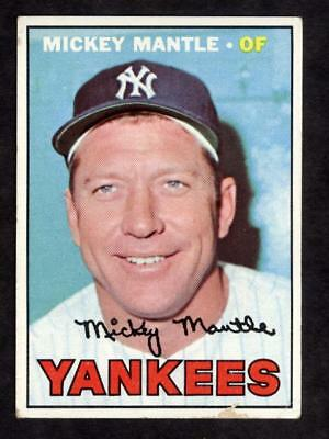 1967 Topps Baseball #150 Mickey Mantle Card - Hall of Fame New York Yankee