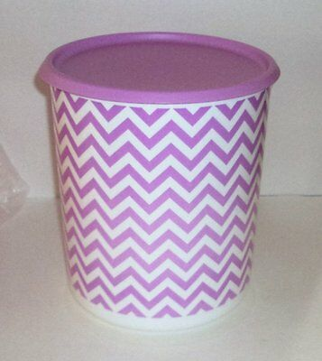 New Tupperware 17 Cup Decorator One Touch Canister Lavender Purple Wavy Design