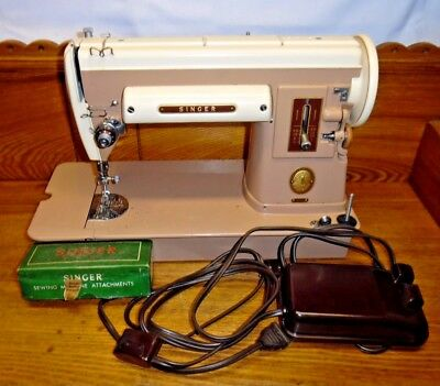 VINTAGE SINGER Model 40A Sewing Machine W Carrying Case And Magnificent Singer Sewing Machine Model 301a Value
