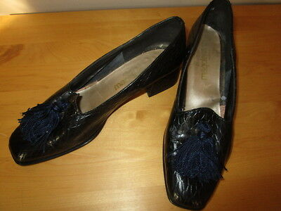 women's Magdesians Shoes Black Leather pre- owned Size 7 N