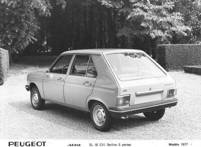 1977 Peugeot 104 SL Sedan Five Door Rear ORIGINAL Factory Photo oua1726