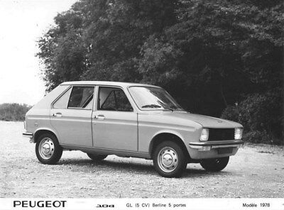 1978 Peugeot 104 GL Sedan Five Door ORIGINAL Factory Photo oua1750