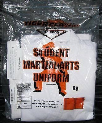 Students White Light Weight karate Uniform  Tiger Claw's TC 2000 Size 00