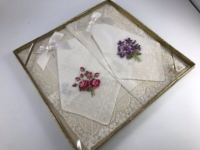 Set Of 3 Vintage New In Box Embroidery & Lace Ladies' Hankies/handkerchiefs