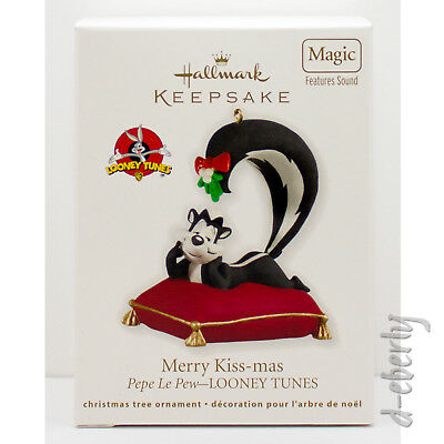 2012 Pepe Le Pew MERRY KISS-MAS NEW Hallmark Looney Tunes Ornament SOUND CUTE