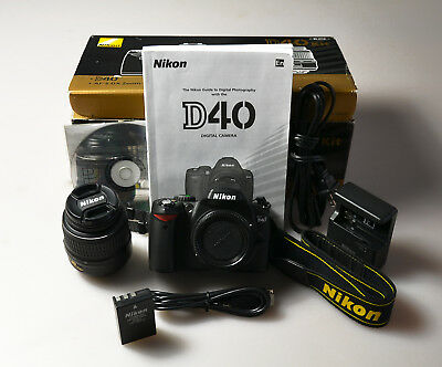 Nikon D40 6.1 MP Digital SLR Camera Kit w/ AF-S DX ED II G 18-55mm Lens 3456513