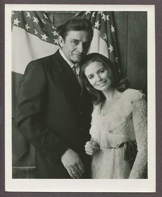 Johnny Cash & June Carter 1969 Original Vintage Portrait Photo Patriotic J5923