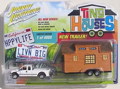 JOHNNY LIGHTNING SERIES 1 2004 FORD F-250 SUPER DUTY with TINY HOUSE VERSION A