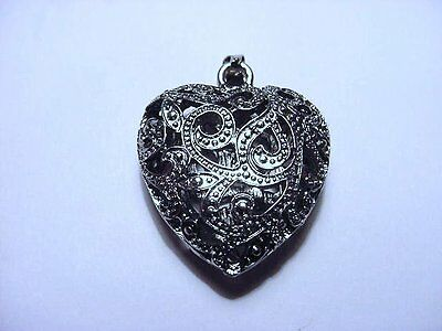 Vintage!! Beautiful Filigree Silver Tone Heart Pendant or Charm FS