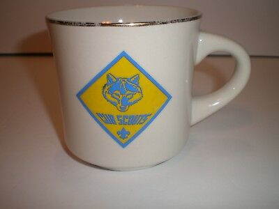 Vintage BOY SCOUTS OF AMERICA  MUG w/ Wolf Cub Scout LOGO, NICE COLLECTIBLE!!