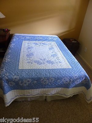 """Antique Vintage Wedgewood Blue & White Floral Hand Sewn Quilt 1940's 78"""" X 88"""""""