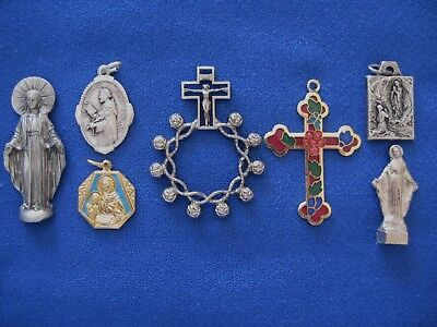 Special Lot of 7 Catholic Religious Vintage MEDALS CROSS Saints Gold & Silver