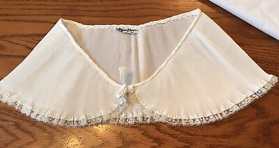 Beautiful Elegant 50's Vintage Off White Teena Brown Pin Pleated Collar